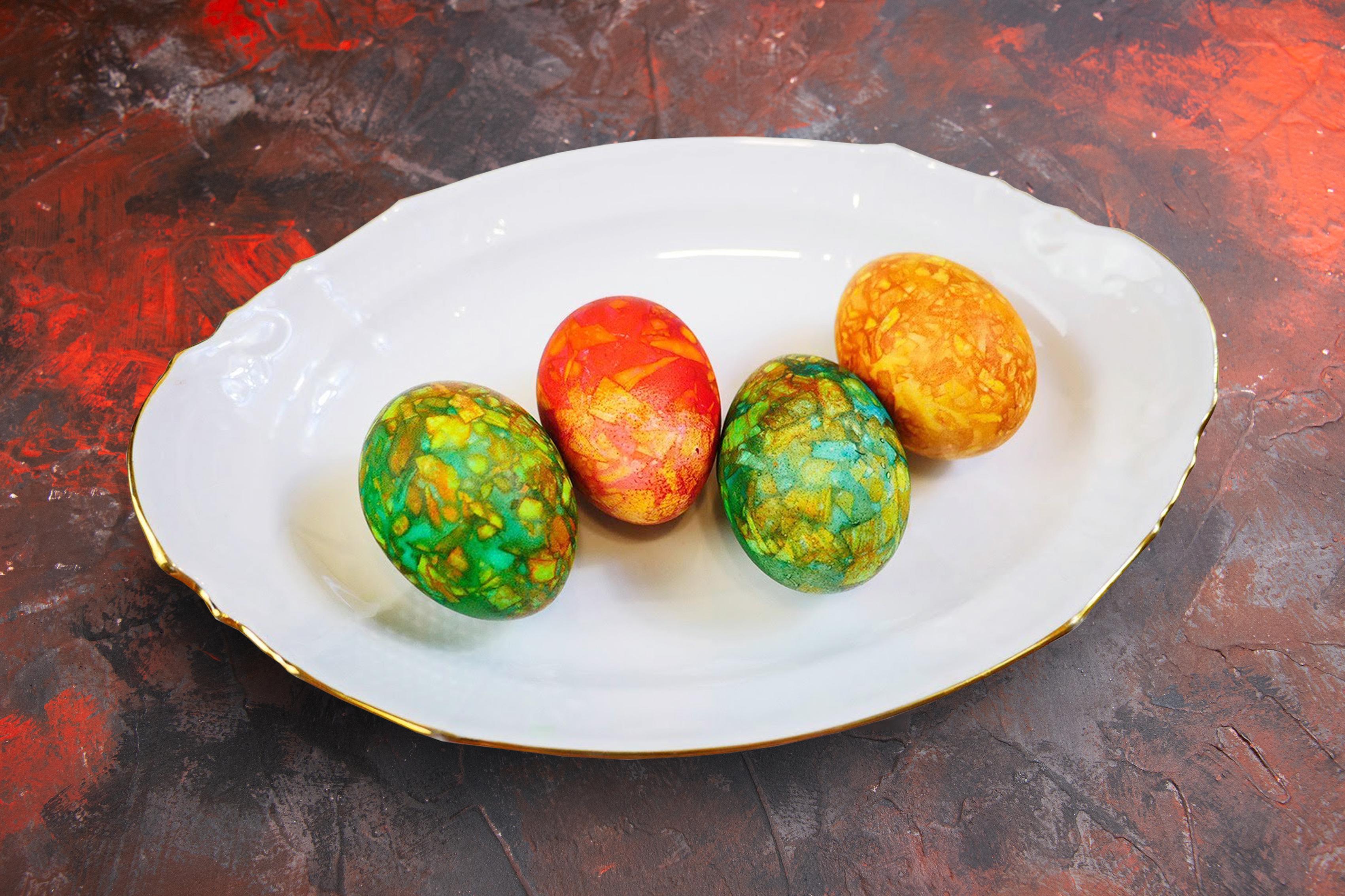 мармурові яйця з зеленкою и цибулинням