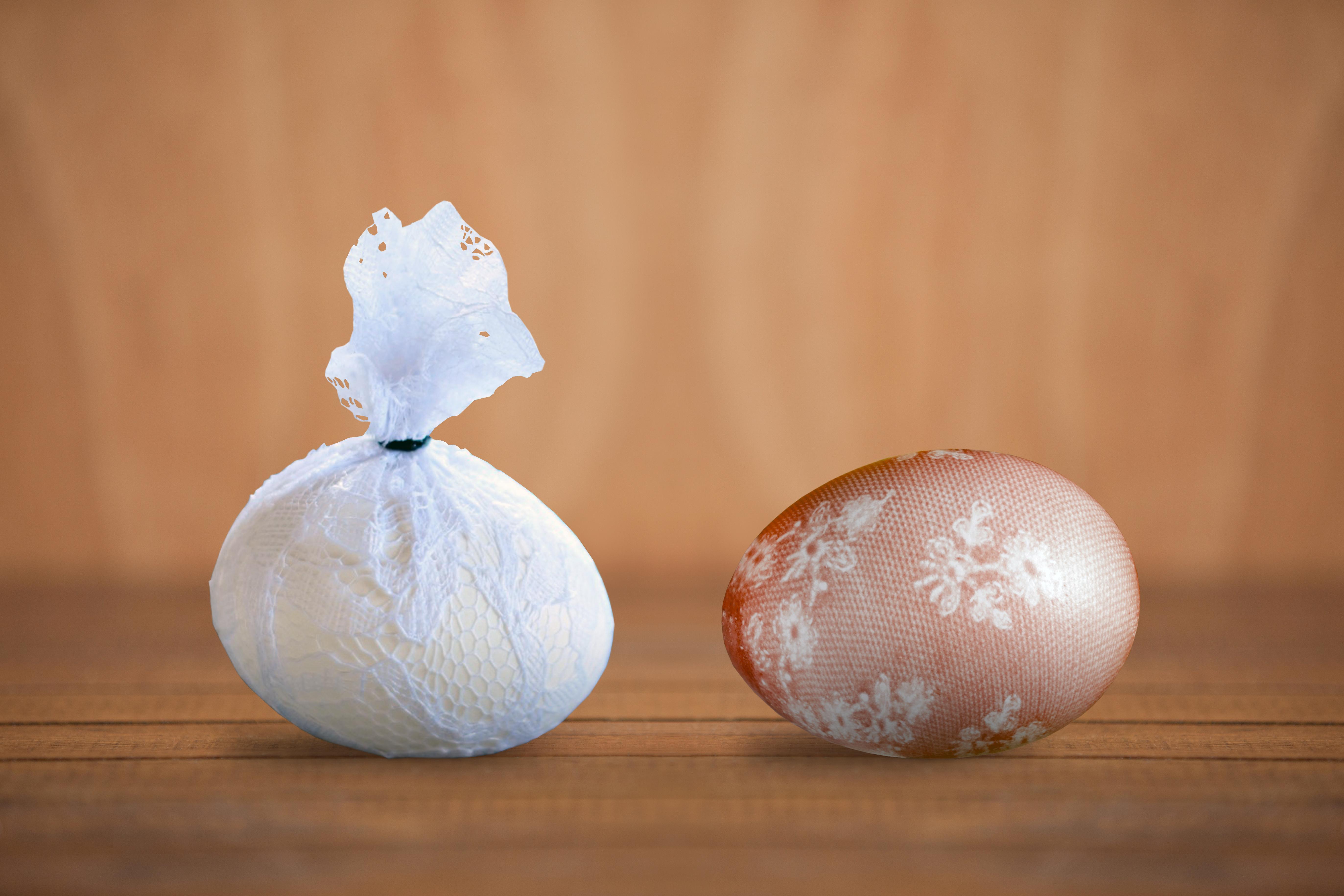 мармурові яйця з ажурним узором