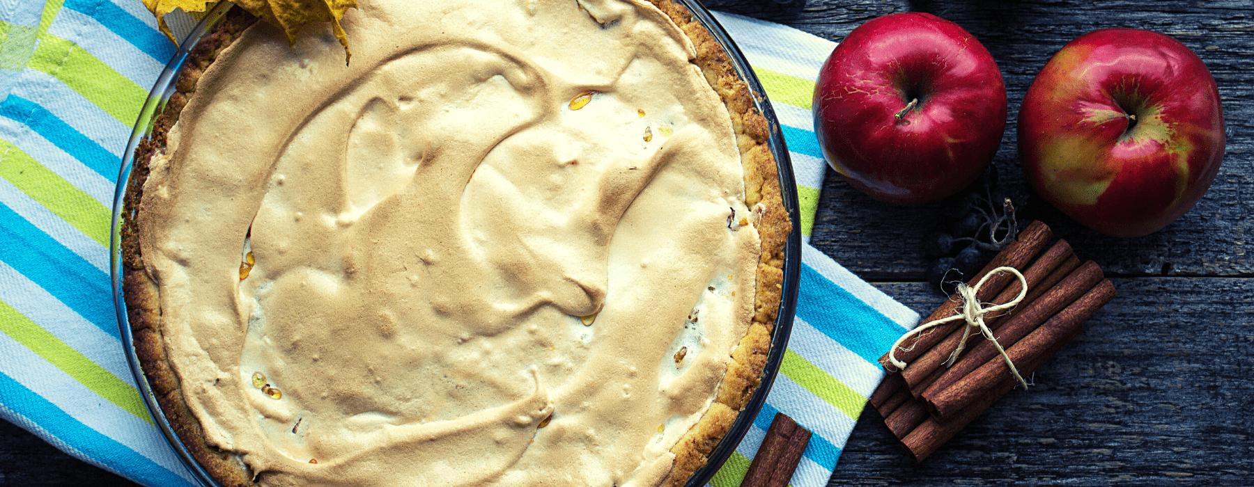 пиріг з яблуками і безе